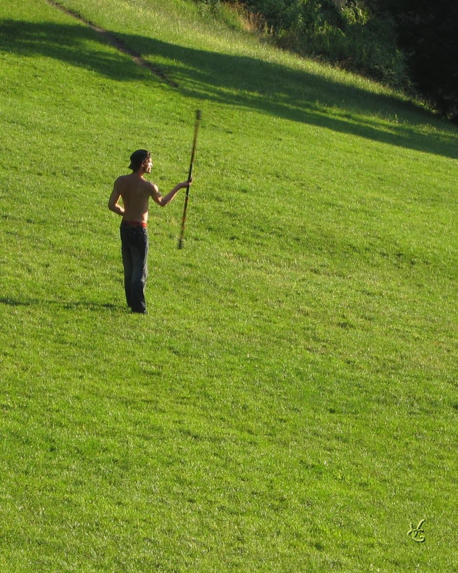 anti-majorette - Parc des Buttes Chaumont, juillet 2012